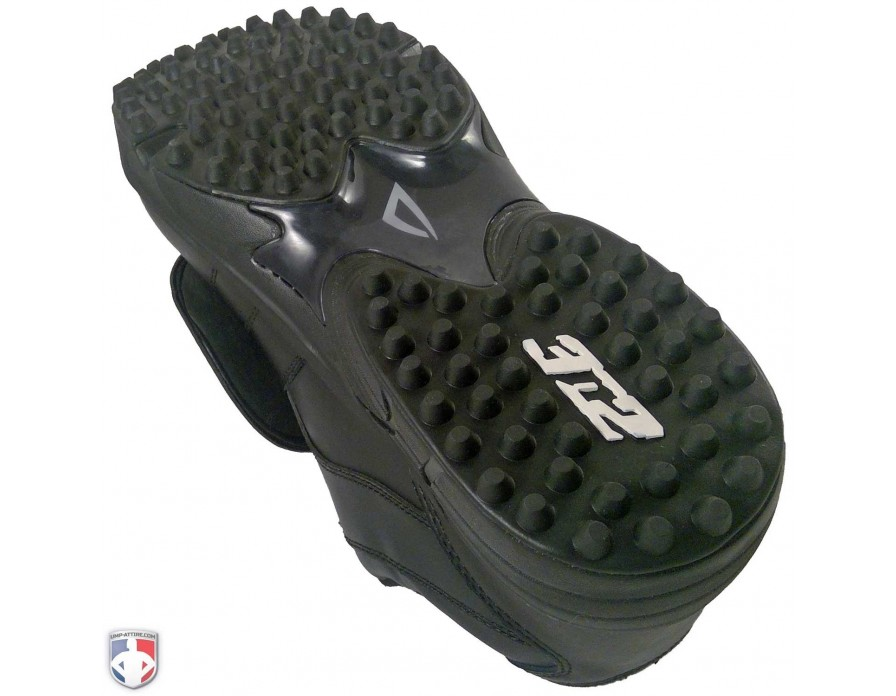 Read More. 7345 3N2 Reaction Pro Low Umpire Plate Shoes Sole Closeup View fe07a8734